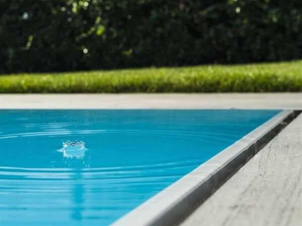 Overflow Evolution One Piece Swimming Pool | Endless Summer