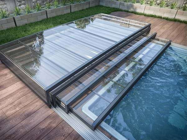 one piece swimming pool with horizont pool enclosure retracted.